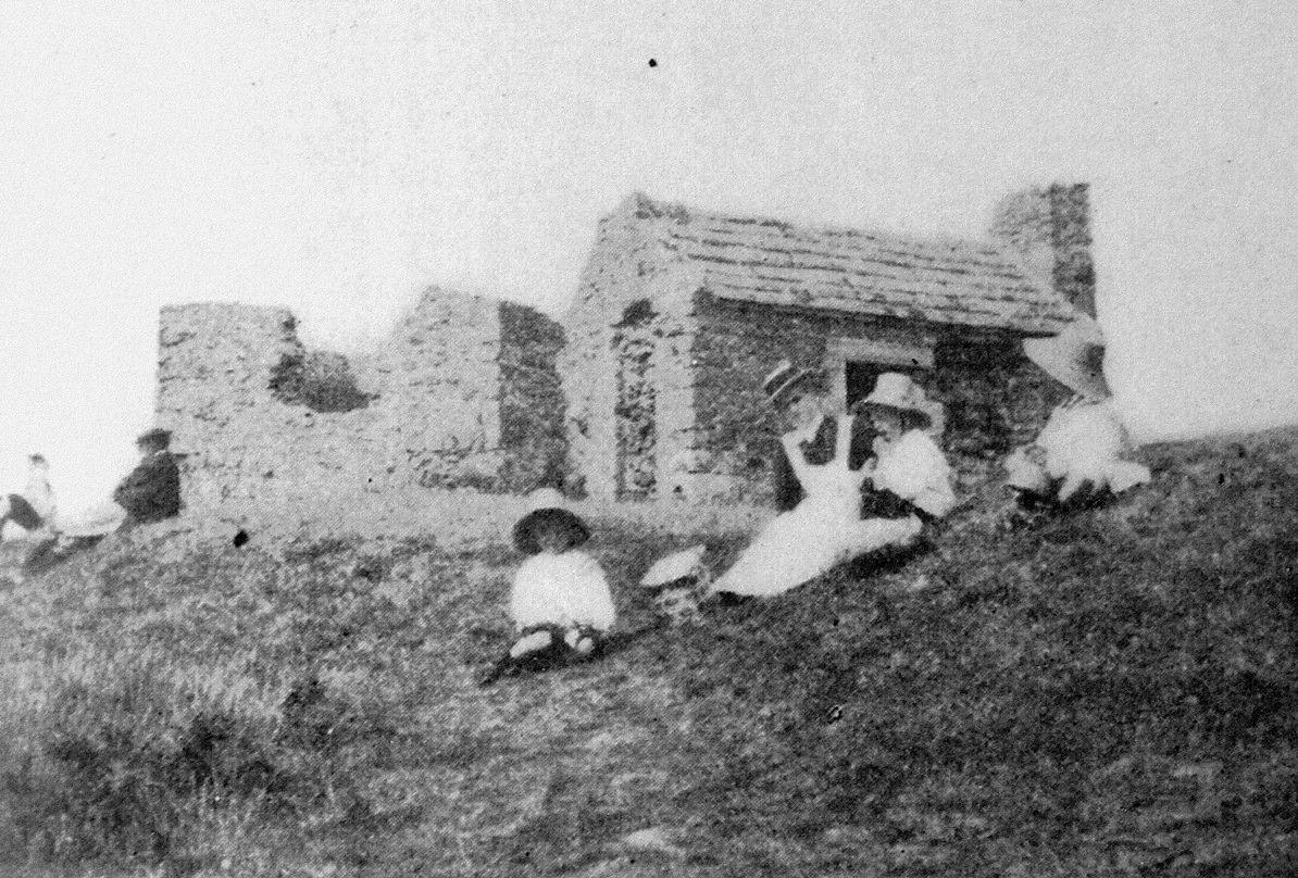 Des Corps de Garde aux Cabanes de Douaniers